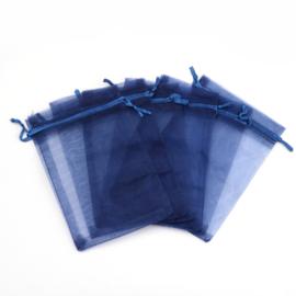 c.a. 100 stuks organza zakjes 8 x 10cm donker blauw (op is op!)