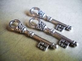 4 x Tibetaans zilveren sleutel 36 x 9x 6mm gat: 5mm