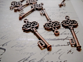 2 x Tibetaans zilveren sleutel rood koper 45 x 17 x 2mm Gat: 2mm