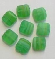 10 Stuks Glaskraal plat vierkant groen gemeleerd 12 mm