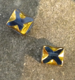 Prachtige glaskraal 8x6 mm goud met blauw