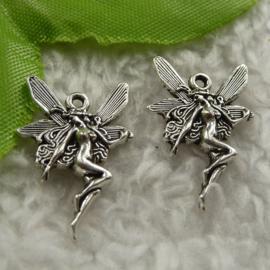 10x Tibetaans zilveren Elfje 22 x 15 x 2,5mm oogje: 1,5mm