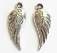 10x Antiek zilveren metallook setje vleugels met Good Luck 20 mm