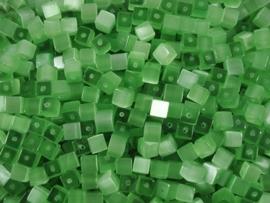 20 stuks Glaskraal kubus cate-eye 4mm donker  groen