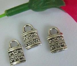5 x Tibetaans zilveren bedeltje 13x8mm van tasje