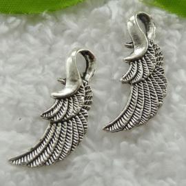 4 x  Tibetaans zilveren Engelen vleugeltje 32 x 11 x 3mm Gat: 7 x 4mm antique zilver