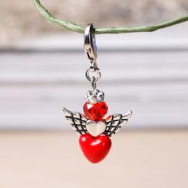 Geluksengeltje met hartje en clip on sluiting hart, kristal kraal en strass rondel