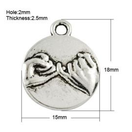Tibetaans zilveren bedeltje 18 x 15 x 2,5mm Gat: 2mm