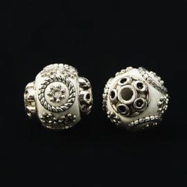 Schitterende handgemaakte Kashmiri kraal 15x16 mm ingelegd met metaal en strass Gat: 2mm white