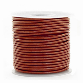 50cm DQ Leer rond 1 mm Dark Russet brown metallic