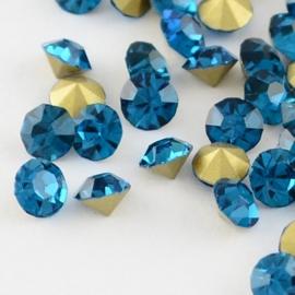 15 strass punt steentjes clear  SS16 4mm Back Plated, Diamond, Blue Zircon