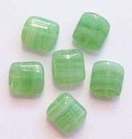 10 Stuks Glaskraal plat blokje glanzend gemeleerd groen 10 mm