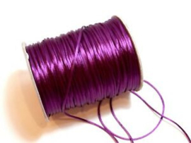 2 meter satijnkoord  van ca. 1 mm dik, violet red
