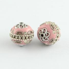 Schitterende handgemaakte Kashmiri kraal 20mm ingelegd metal & strass roze met zilver