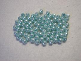 80 x prachtige glasparels 6mm gat: 1 mm kleur:  lichtblauw