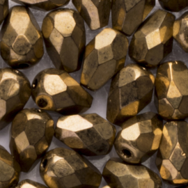 15 x  druppel Tsjechië kristal facet kraal 7x4mm kleur: goudkleurig Gat c.a.: 1mm
