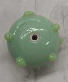 10 Stuks platte groene glaskralen met lichtgroene dots 11mm gat 2mm