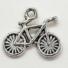 6 x tibetaans zilveren bedel van een fiets 16 mm x 14,5 mm