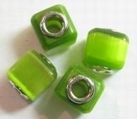 Per stuk Glaskraal European-style kubus groen cate-eye 14 mm