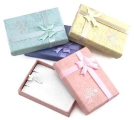 5 luxe assortiment cadeaudoosjes voor bijvoorbeeld kettingen en hangers  5 x 7cm x 2cm