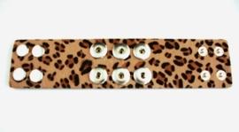 Drukker armband met vachtje Luipaard en drukknoopsluiting en dubbele rij van drie verwisselbare drukkers.