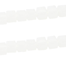 20 stuks  Top Facet kralen vierkant 2mm Off white