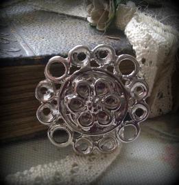 Per stuk metalen zilveren hanger/tussenzetsel bloem 29 mm