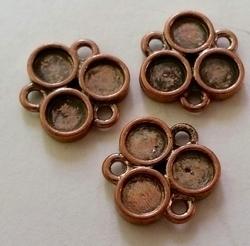 2 x Antiek koperen metalen kastje 14 mm, ruimte voor 4 mm plaksteen