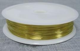 Goudkleurig metaaldraad 0,8mm dik 3 meter op een rol goudkleur