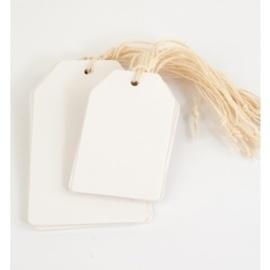 100 stuks blanco witte labels prijskaartjes voorzien van ponsgat en versterkingsoog 55 x 110mm,  zonder koordje