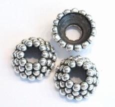 4 x Antiek zilveren kunststof kraal/kapje met 3 lagen boll 24 mm