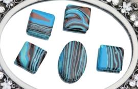 10 stuks schitterende glaskralen  vierkant 18mm
