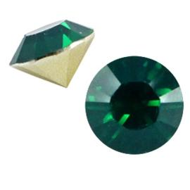 5 x Puntsteen half rond BQ puntsteen SS29 Blue zircon opal