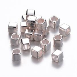 10 stuks DQ Tibetaans zilveren kralen vierkante 6mm gat: 4mm zilverkleur nikkelvrij
