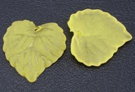10 stuks acryl bloem bladeren 16 x 15 x 2mm gat: 1,2mm geel frosted