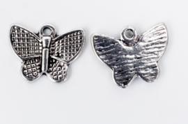 10x Tibetaans zilveren bedel van een vlinder 13 mm x 16,4 mm