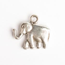 6 x metalen bedel olifant zilver kleur 19  x 21 mm oogje: 2mm