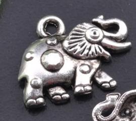 4 x Tibetaans zilveren bedel van een olifant 12 x 16 mm