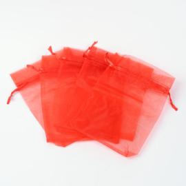 c.a. 100 stuks organza zakjes 8 x10cm rood (op is op!)