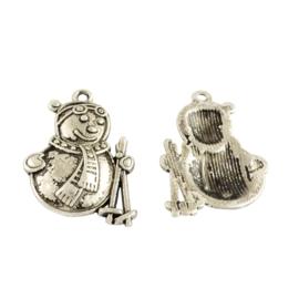 4 x tibetaans zilveren sneeuwpop 25 x 17 x 3,5mm Gat: c.a. 1mm