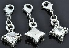 3 x Clip on Metalen hangers/bedels ruit bewerkt met strass kristal, met slotje ± 35x18mm (slotje ± 12x8mm)
