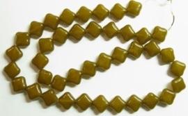 10 stuks prachtige vierkante kralen van melkglas 10 x 10 x 5mm Olijf groen