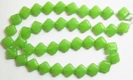 10 stuks prachtige vierkante kralen van melkglas 10 x 10 x 5mm Licht groen