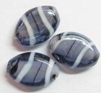 10 x Glaskraal plat ovaal Paars/wit met mooie glans 18 mm