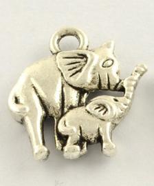 4 x Tibetaans zilveren bedeltje van twee olifantjes 15 x 14 x 2,5mm oogje: 2mm