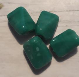 1x Prachtige donkergroene glaskraal (gedraaid) 13 x 9 mm gat: 2 mm