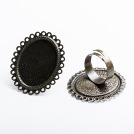 Verstelbar ring, diameter c.a.17 mm , maat tray: 25 x 19 mm