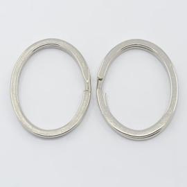 2 x  Sleutelhanger ring 29 x 37mm platinum kleur