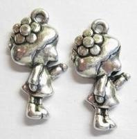 5x Metalen Bedel meisje met bloem in het haar 24 mm
