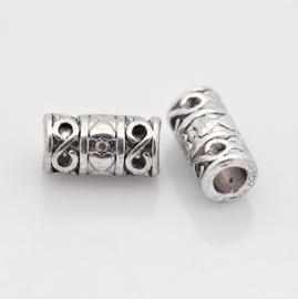 10 x  Tibetaans zilveren kraal met hart 6 x 12mm gat: 5mm